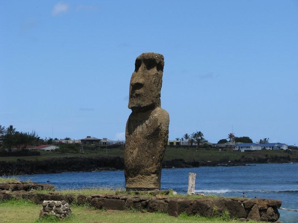 Slajdy z Rapa Nui i festiwalu Tapati 2