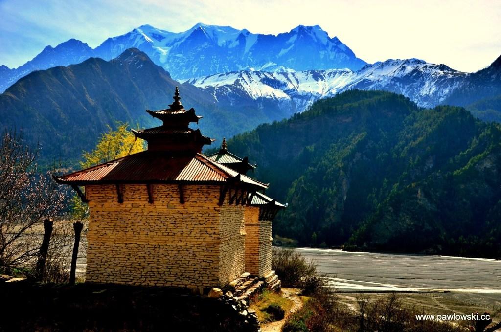 Kapliczka w Himalajach