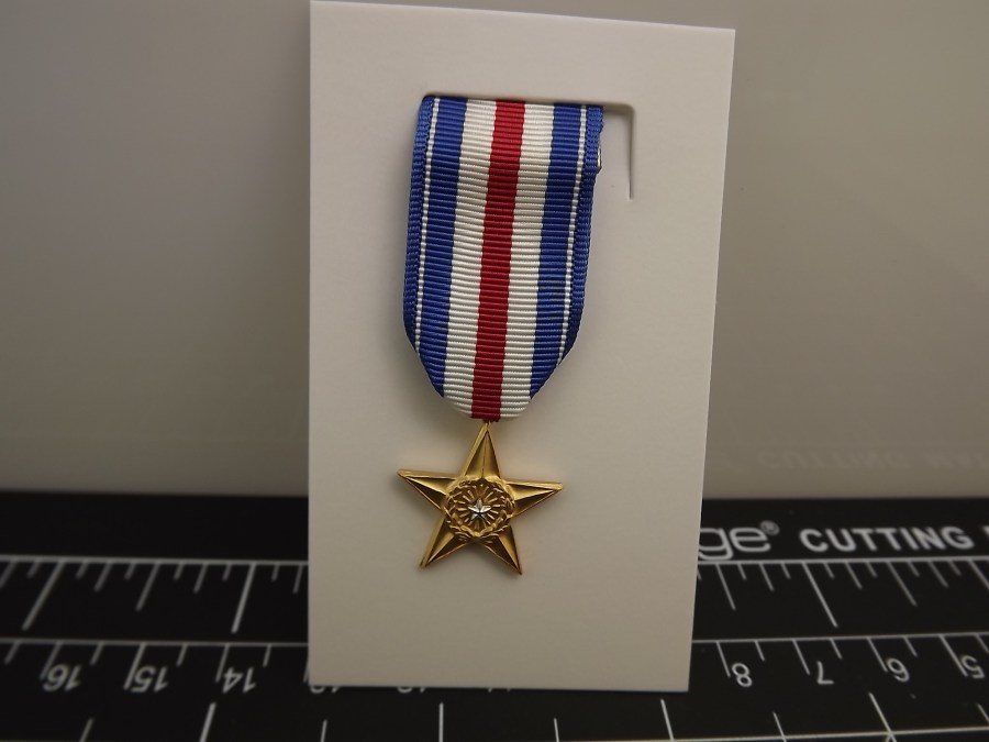 "SILVER STAR ""MINI"" MEDAL US ARMY MARINES NAVY AIR FORCE USCG RIBBON 2-1/4"" 1"