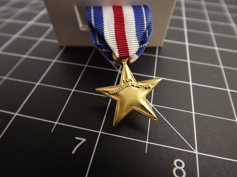 "SILVER STAR ""MINI"" MEDAL US ARMY MARINES NAVY AIR FORCE USCG RIBBON 2-1/4"" 3"