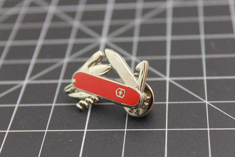 SWISS ARMY KNIFE LAPEL / HAT PIN BRAND NEW ENAMELED 1