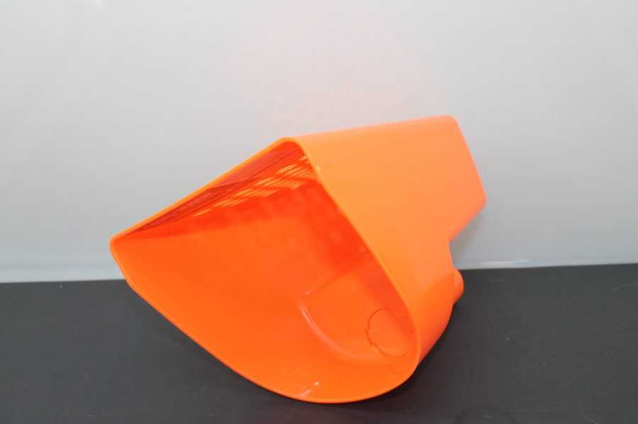 "8.1/2"" Hand Held Plastic Sand Scoop for Metal Detectors-ORANGE BRAND NEW  GREAT FOR BEACHES AND METAL DETECTING 2"