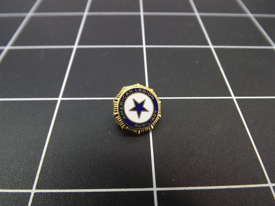 ANTIQUE BRASS ENAMEL AMERICAN LEGION AUXILIARY STAR LAPEL PIN 1