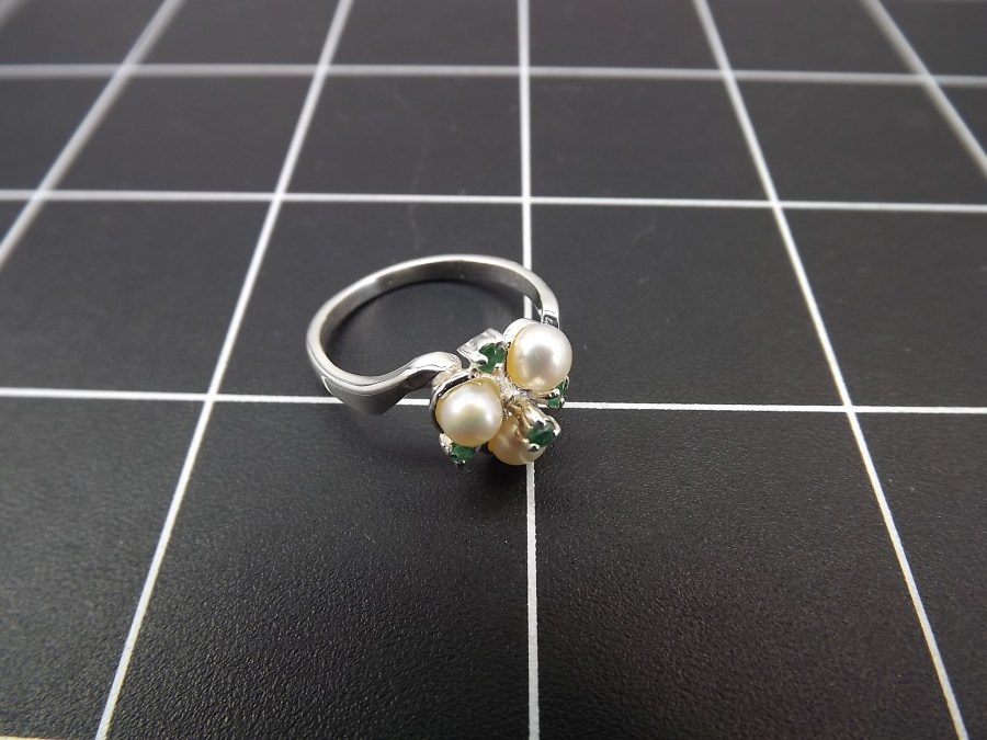 NEW STERLING SILVER 925 PEARL & EMERALD COCKTAIL RING 2.7 GRAMS SIZE 7 1