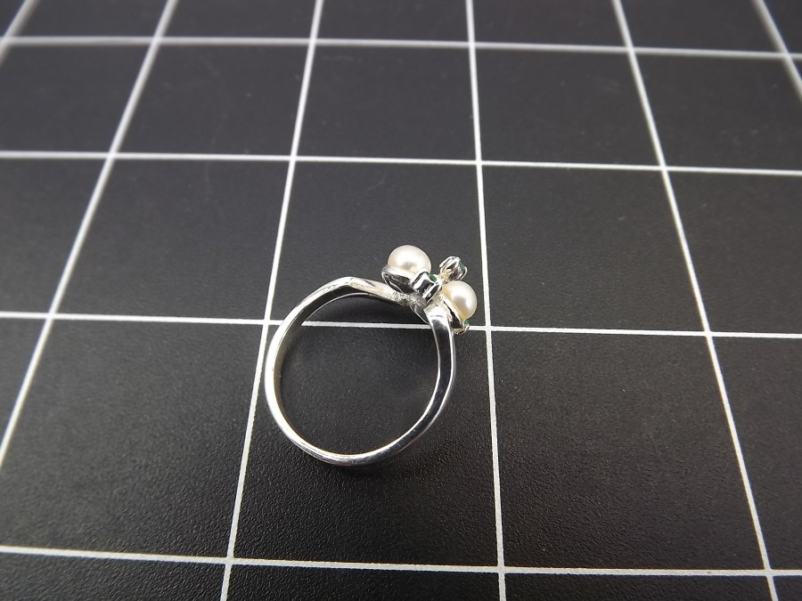 NEW STERLING SILVER 925 PEARL & EMERALD COCKTAIL RING 2.7 GRAMS SIZE 7 3