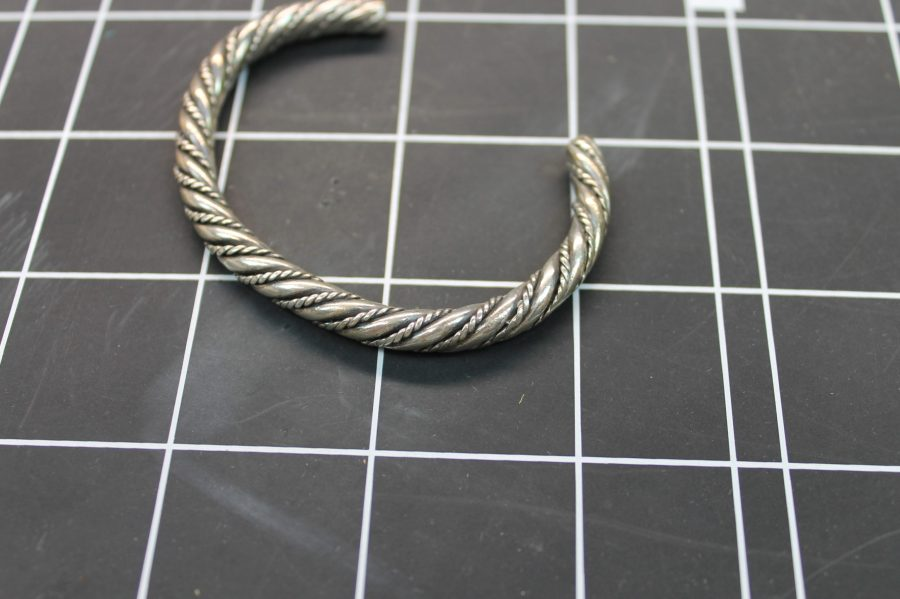 VINTAGE SILVER TONE TWISTED ROPE STYLE CUFF BANGLE BRACELET 1