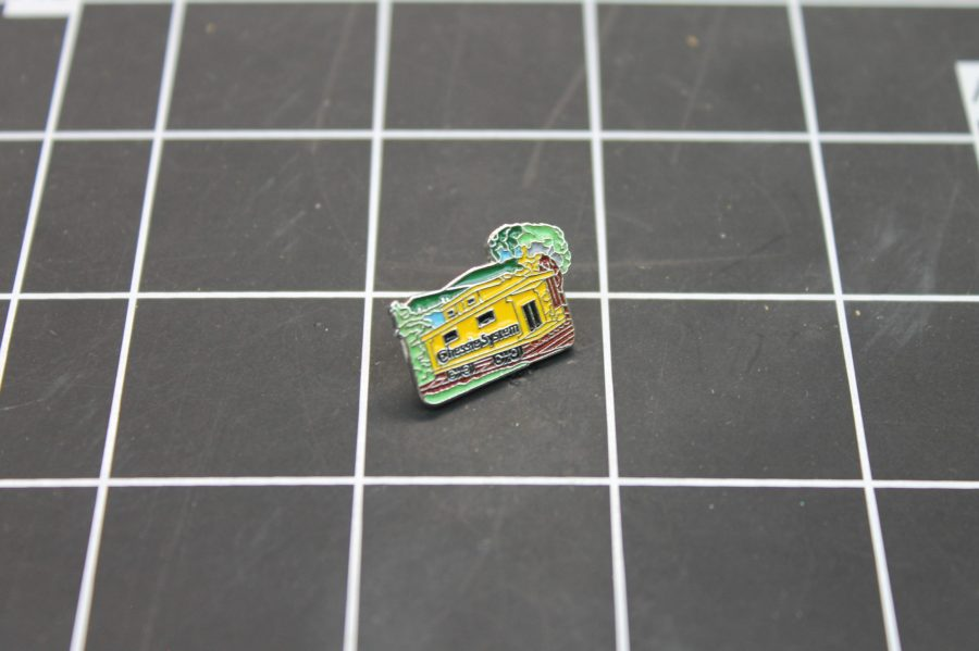 BRAND NEW SILVER TONE RAILROAD CHESSIE SYSTEM ENAMEL LAPEL PIN 1