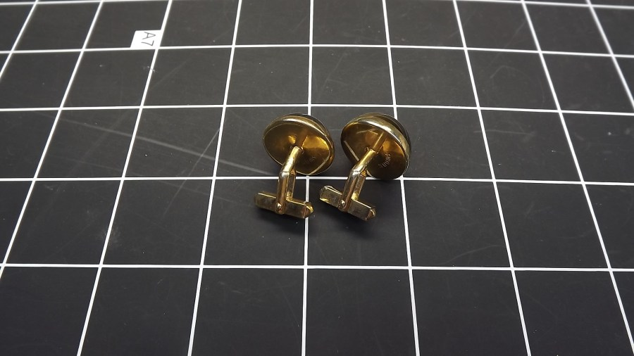 VINTAGE GOLD TONE ROUND CAT'S EYE STONE CUFF LINKS 2