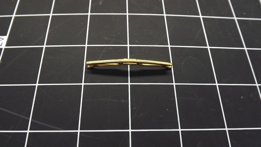 ANTIQUE VINTAGE GOLD TONE SMALL FLAT TIE CLIP 1