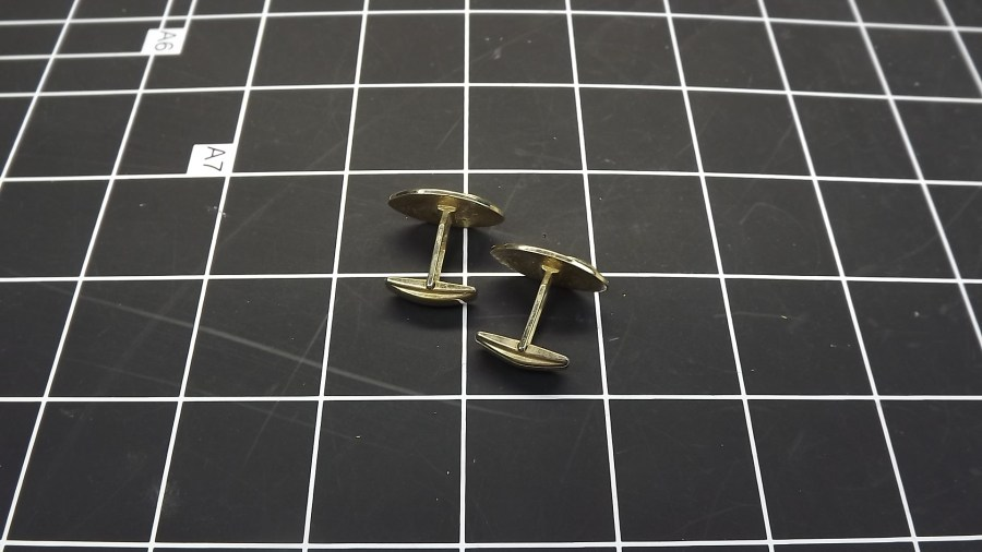 VINTAGE ANTIQUE GOLD TONE OVAL PATTERNED CUFF LINKS 2