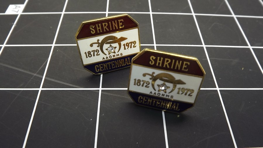 ANTIQUE VINTAGE GOLD TONE SHRINERS BILLIKEN CENTENNIAL 1872-1972 ENAMEL & RHINESTONE CUFF LINKS 1