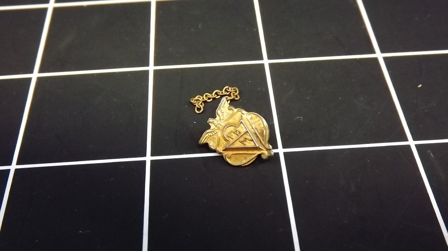 VINTAGE ANTIQUE BRASS FHM UNITED STATES MILITARY LAPEL PIN 1