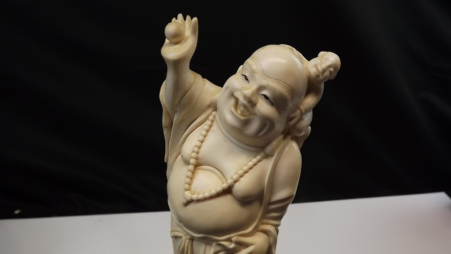 ANTIQUE VINTAGE HAND CARVED IVORY LUCKY BUDDAH FIGURINE 1