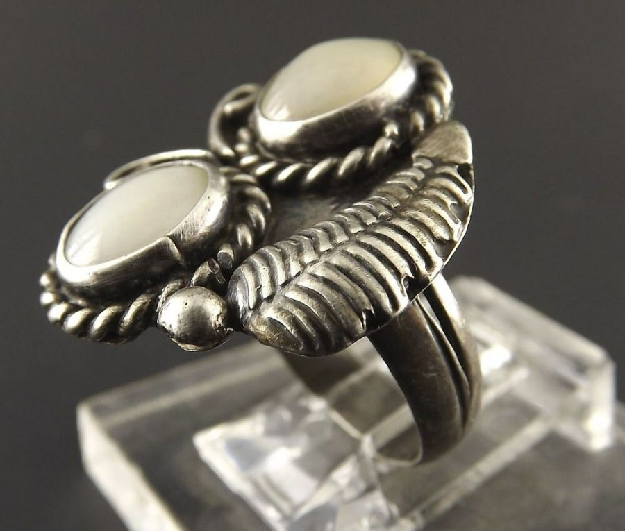 Vintage Sterling Silver Native Indian Mother Of Pearl Moonstone Ring Tribal 3