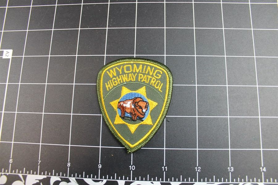 """""""WYOMING"""" HIGHWAY PATROL POLICE PATCH BRAND NEW 1"""