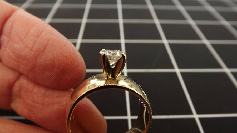 14KT Y/G Round Brilliant Diamond Solitaire Ring Hammered Finish Finger size 5.5 5