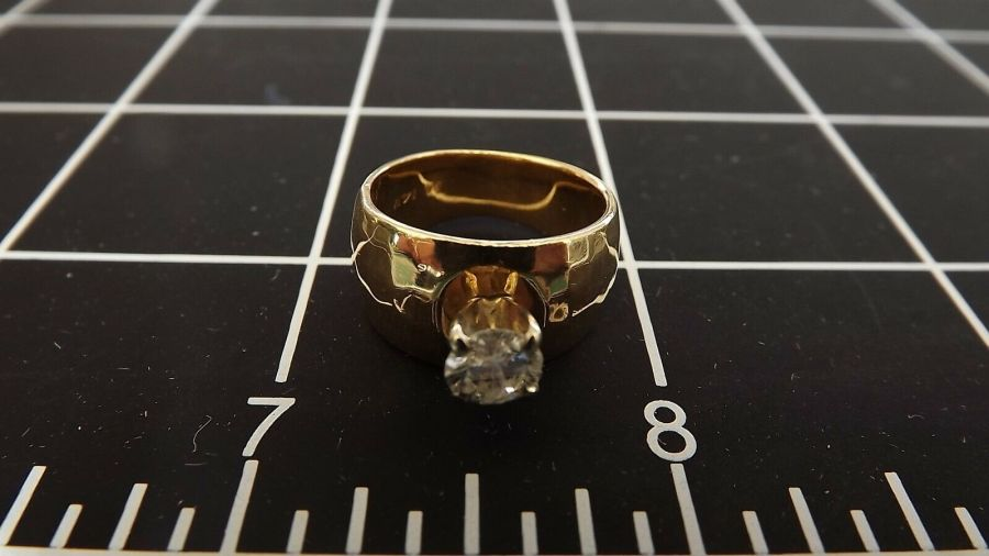 14KT Y/G Round Brilliant Diamond Solitaire Ring Hammered Finish Finger size 5.5 7