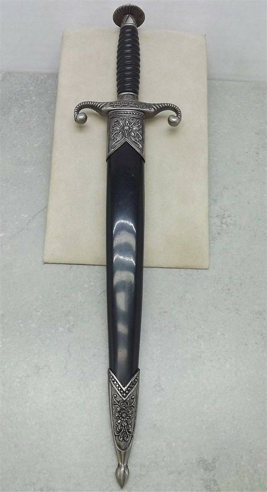 New ANCIENT STYLE KNIGHTS DAGGER Sword  With Sheath BRAND NEW 3