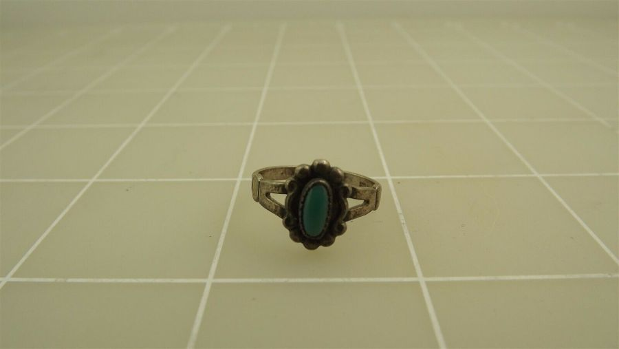 Vintage Sterling Silver TURQUOISE Ring 2.1Grams Size 5 3/4 1