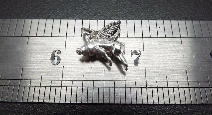 """SOLID STERLING SILVER .925 FINE """"WHEN PIGS FLY"""" CHARM PENDANT PIG 2.9G NEW 1"""