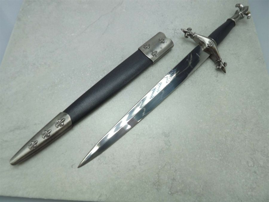 New ANCIENT FLEUR-DE-LIS STYLE KNIGHTS DAGGER Sword  With Sheath BRAND NEW 3