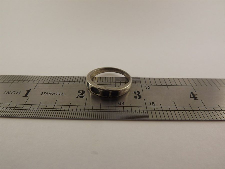 Vintage Sterling Silver Beautiful Ring Band .925 Solid 3.7 Grams size 8-1/2 3