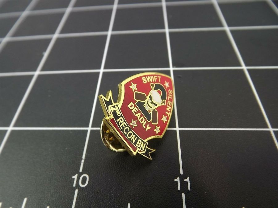 "BRAND NEW Lapel Pin USMC 002ND Recon Battalion Swift Silent Deadly 1"" 1"