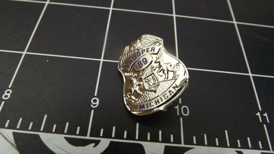 """MASSACHUSETTS STATE POLICE"" MINI-BADGE Enamel Lapel Pin BRAND NEW 6"