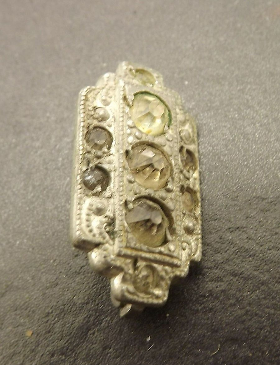Vintage Silver Tone Square Clear Colored Stone Hat Pin Lapel Pin 1