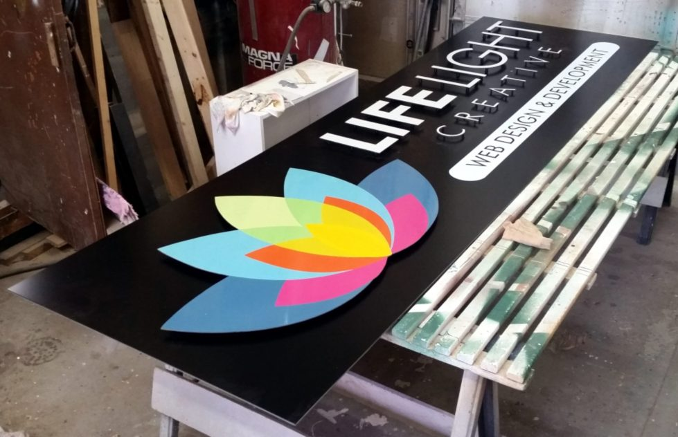 Life_light_creative_sign_finished_shop