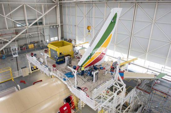 A350_XWB_Ethiopian_Airlines_VTP_installation(1)