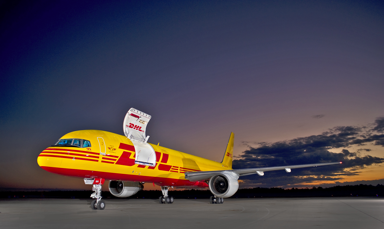 DHL-757-200PCF-at-Jax