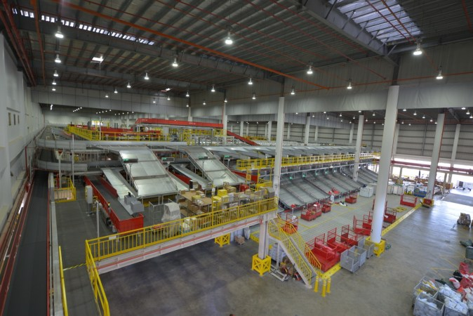 dhl-express-south-asia-hub-facility-interior_2