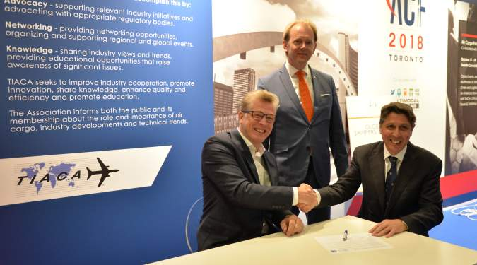 Global Shippers' Forum, Cargo iQ sign quality-focussed MoU