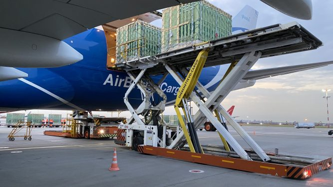 AirBridgeCargo's charter service delivers first batch of pigs to Far East Russia