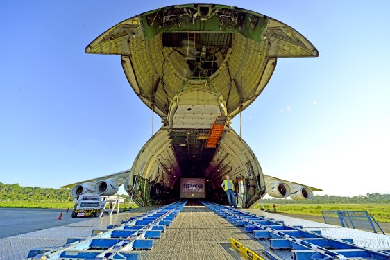 Antonov Airlines drafts world's largest freighter to do the heavylifting