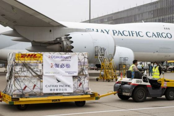 Cathay Pacific delivers initial Pfizer vaccine doses to HKG