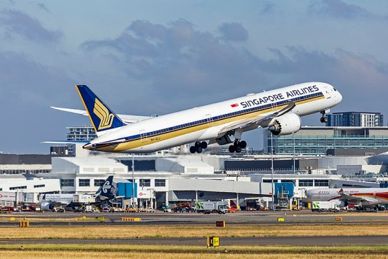 SIA raises $1.5b on A350, B787 leaseback deals