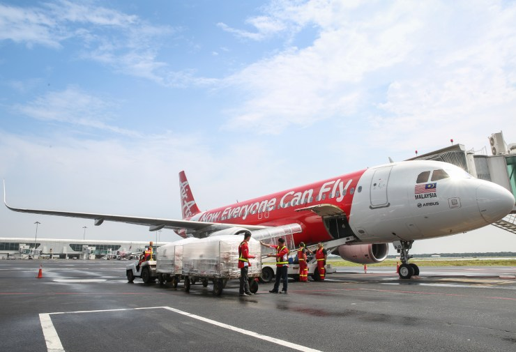 airasia's Teleport Strengthens Key Routes with 737-800 Freighter and Converted A320 Planes