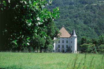 visite-village-baigorri-chateau-pays-basque