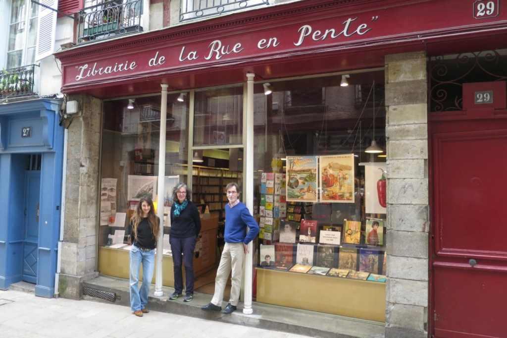 librairie-rue en pente-bayonne