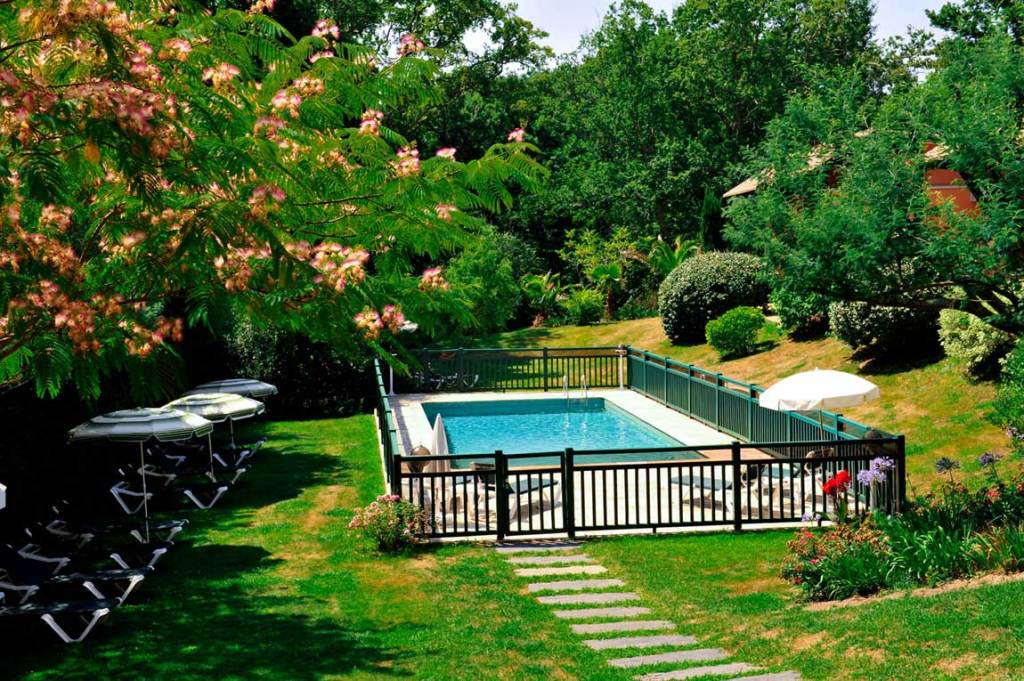 piscine-hotel-bidart-freres-ibarboure