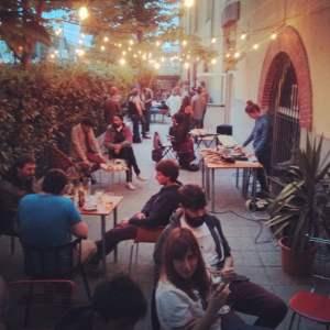 une-journee-dans-le-quartier-de-san-sebastian-gros-pays-basque-terrasse-bar