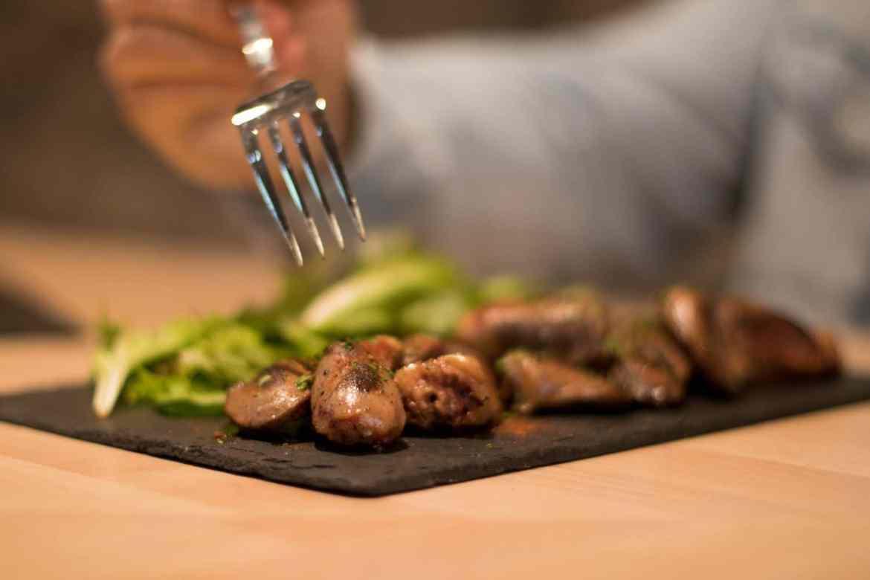 izarrena-au-petit-bayonne-restaurant-pays-basque-coeur