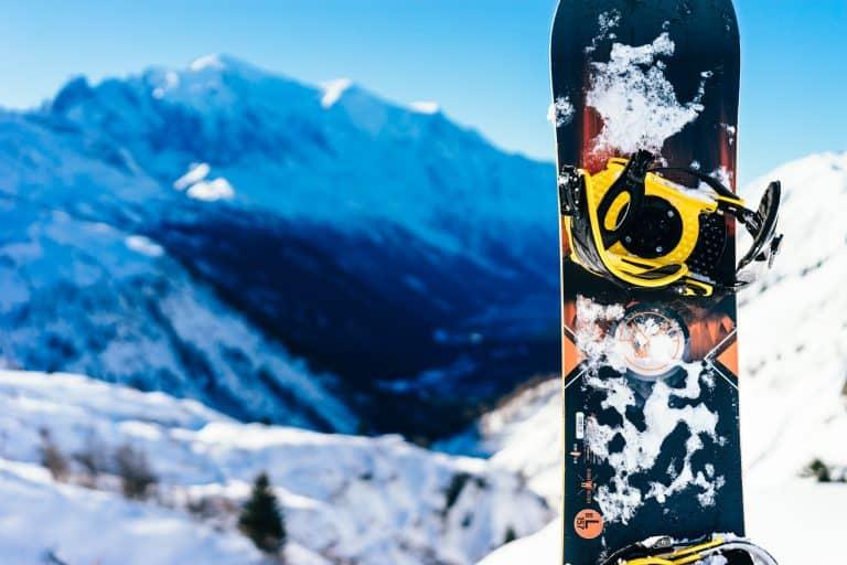Tavola da snowboard in primo piano