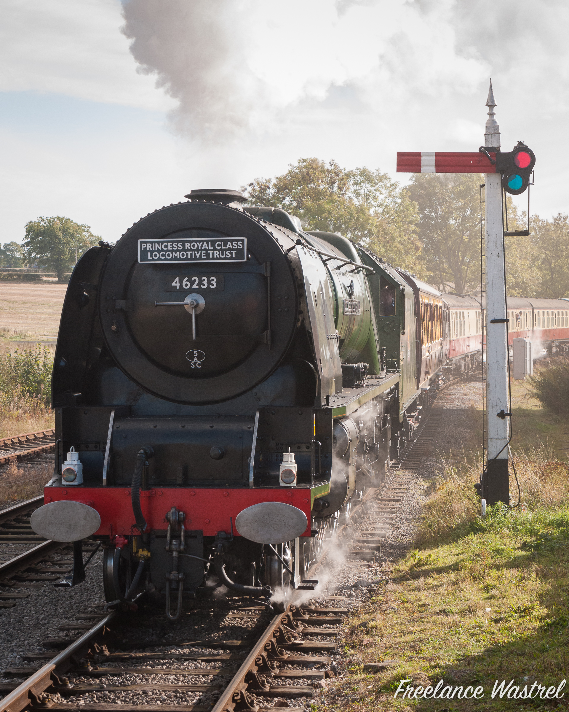 DUCHESS OF SUTHERLAND arrivng at Swanwick Junction