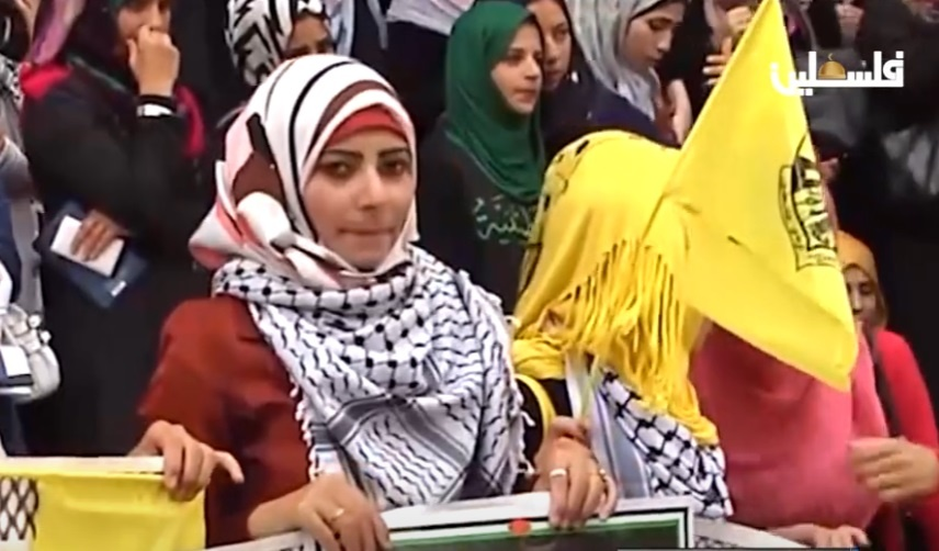 الكوفية الفلسطينية تمثل رمزاً لحركات التحرر العالمية ولمفهوم الثورة في كل بقاع الأرض