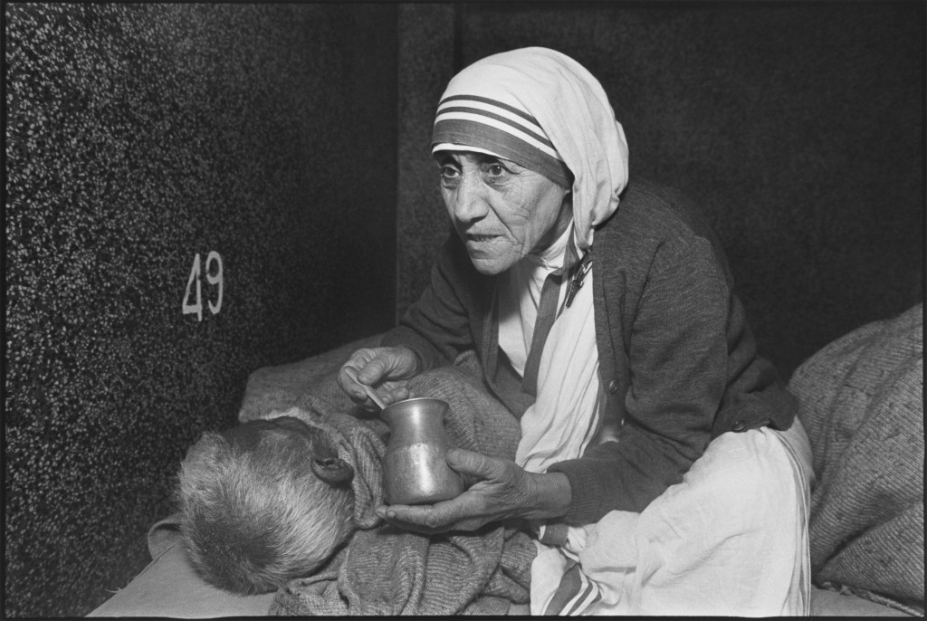Mother Teresa at the home for the Dying, Mother Teresa's Missions of Charity, Calcutta, India, 1980. Photo by Mary Ellen Mark