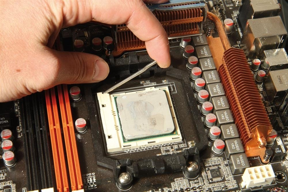 Quitar CPU de la placa base