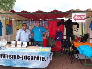 Le stand Parachutistes lors de la Fête des Sports à Noyon